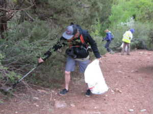 Kanarra Creek Coalition volunteers picking up trash along trail